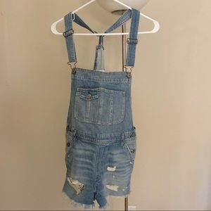 Abercrombie & Fitch Ripped Denim Shortalls